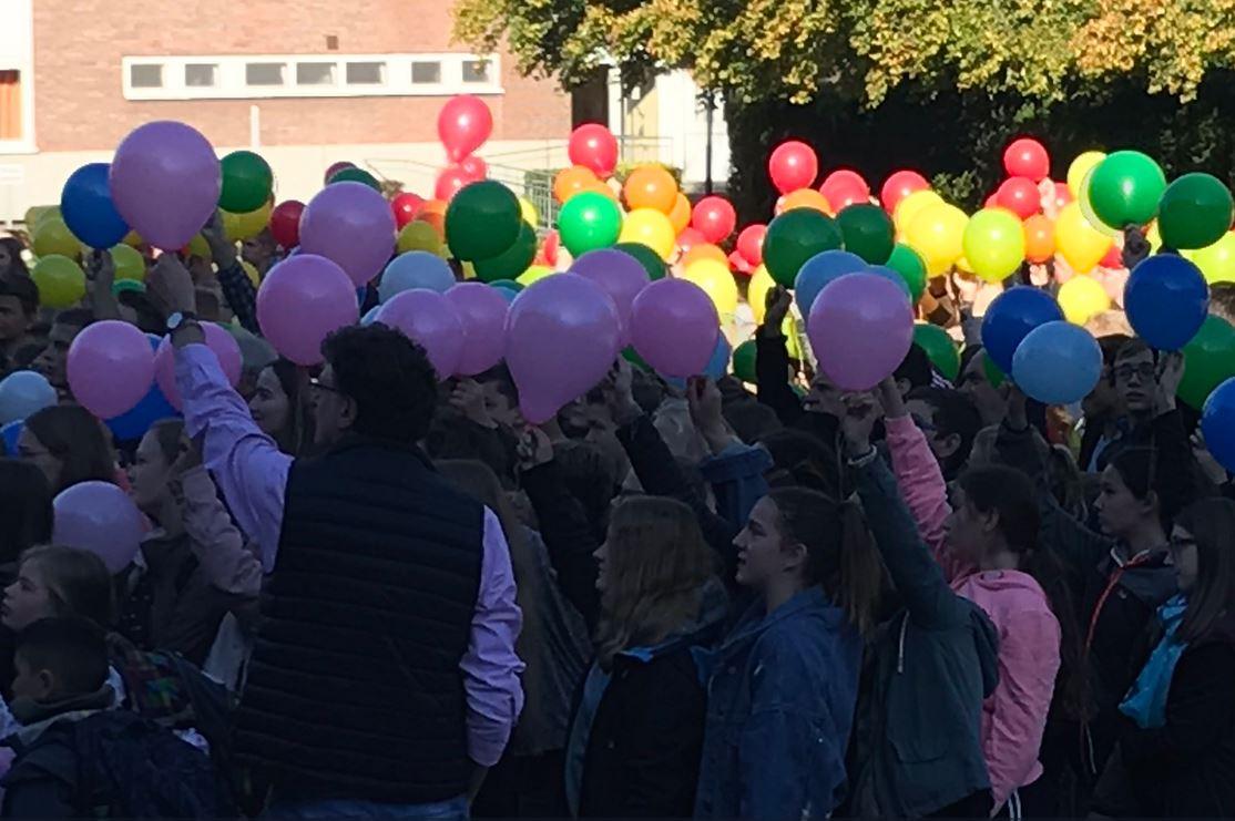 Schüler in Borken-Burlo demonstrieren für schwulen Lehrer