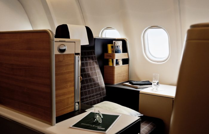 LX, Airbus 340, business class // Business Klasse // classe Business